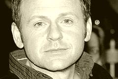 Samuel Finzi
